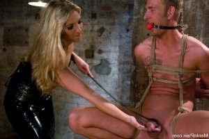 Lise-laure swinger parties Dunn