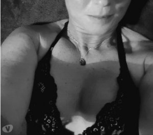 Loganne slave escorts in Marlborough