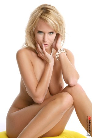 Gina-maria real escorts classified ads Alma QC